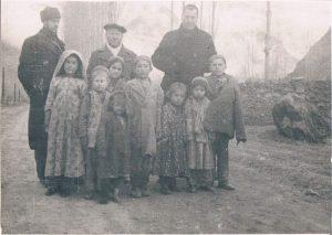 Хорог, Памир. Декабрь 1938. Зальцман - слева.