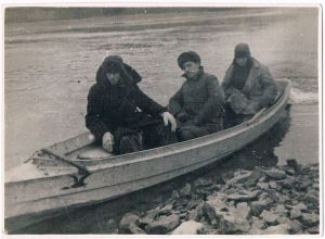 Urals, the Sylva river . December 1936. Zaltsman on the left.