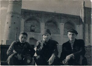 Tashkent. April 1939. Zaltsmann - in the center.